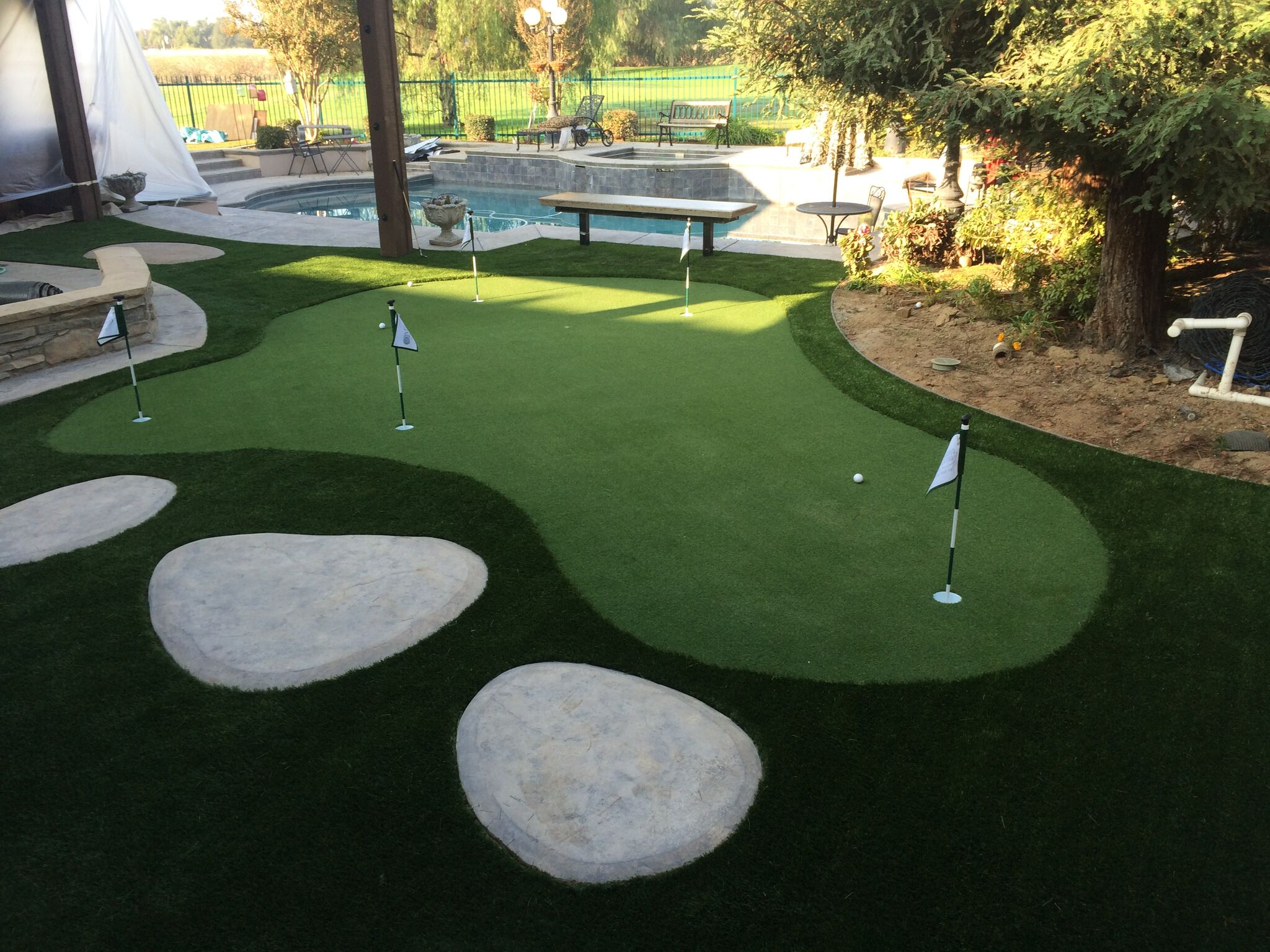 putting greens for any backyard courts and greens