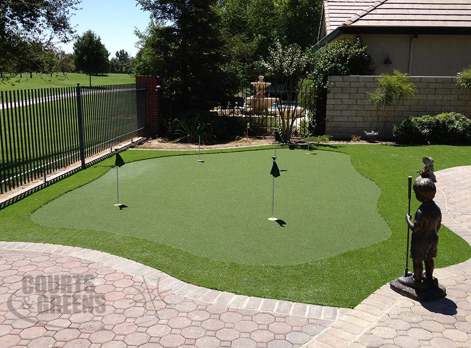 backyard golf greens by Courts and Greens in Bakersfield