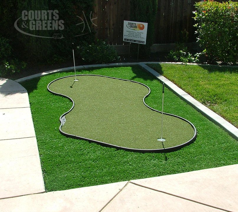 custom back yard putting greens by Courts and Greens in Bakersfield