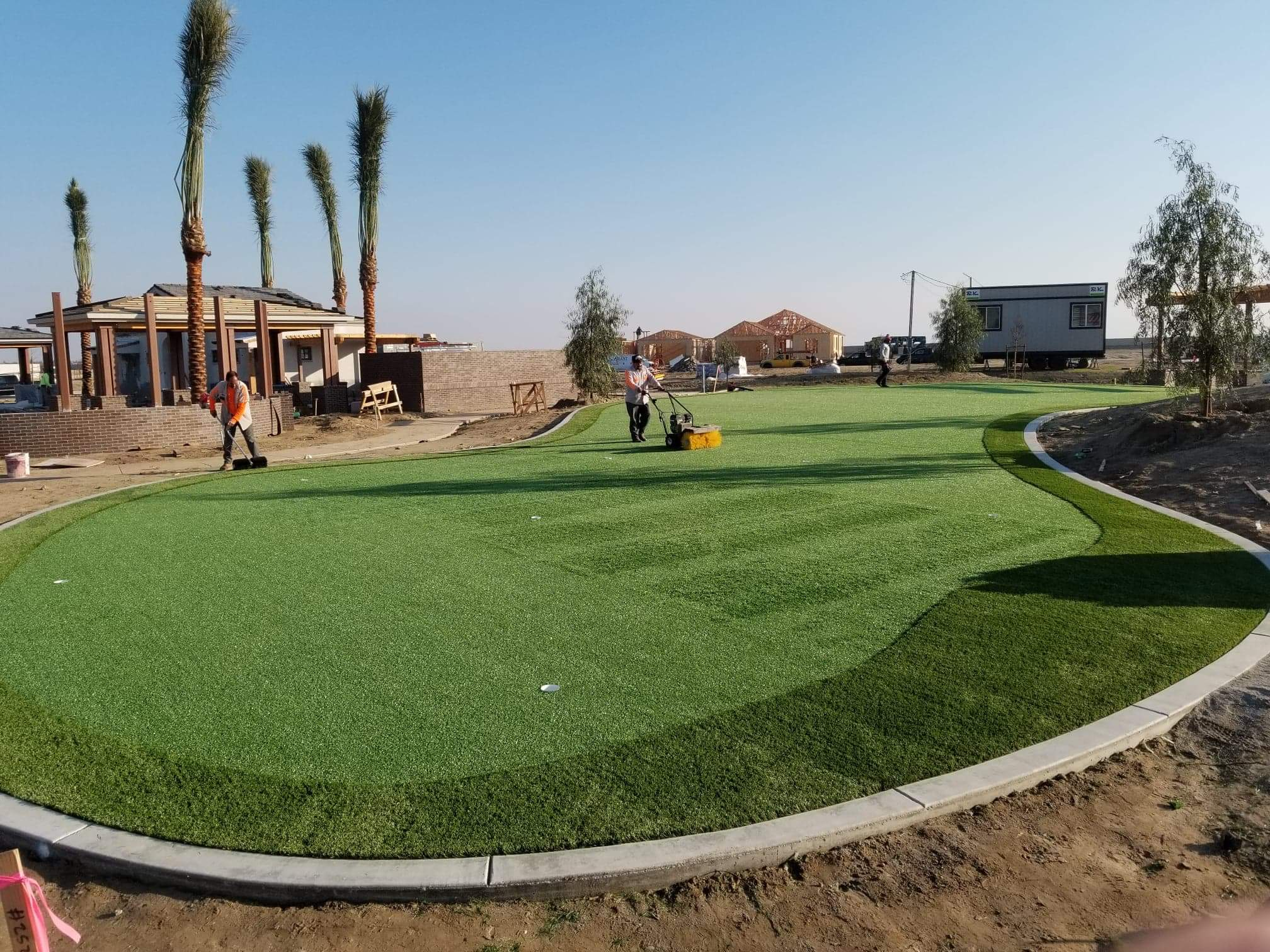 install synthetic gass putting green
